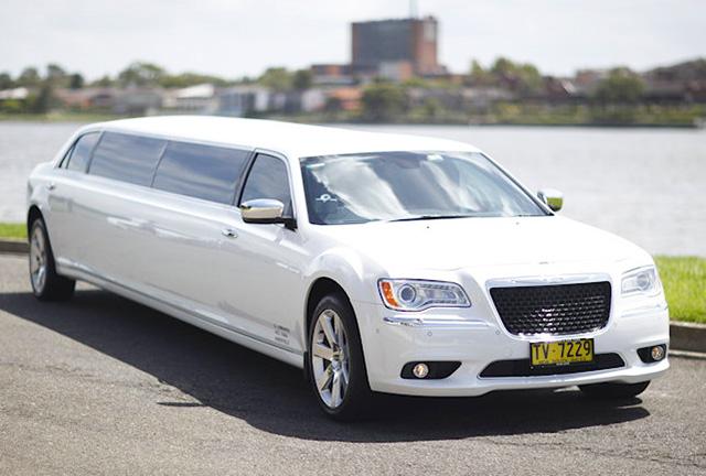 Hunter Valley Chrysler limousine tours